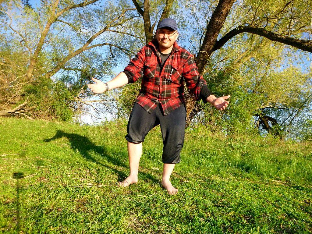 Nasser Angler nach der Erkundung am See
